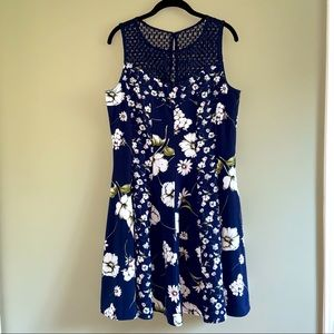 Gabby Skye size 16 blue floral dress